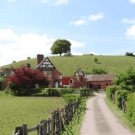 Farmhouse and dog near Worcester