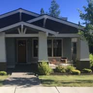 Bend, Oregon Home with 2 friendly dogs!