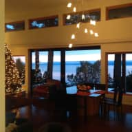 Lovely West Coast Contemporary home, spectacular view of the Georgia Straight and the Merry Island lighthouse.