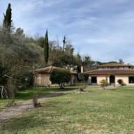 Beautiful villa with huge garden on the outskirts of Rome