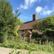 4 bedroom cottage in beautiful rural Suffolk close to amenities with German Shepherd and chickens