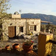 Urgent- Last Minute Sit due to sitter cancellation - Off Grid Mountain Retreat Spain