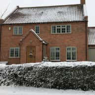 One dog and house in Vale of Belvoir - sitters required for 5 nights