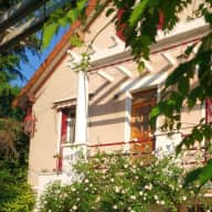 Pet & House sitter for house near Paris (30 min) in August