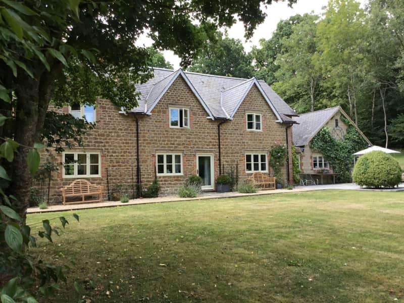 Housesitting assignment in Devizes, United Kingdom
