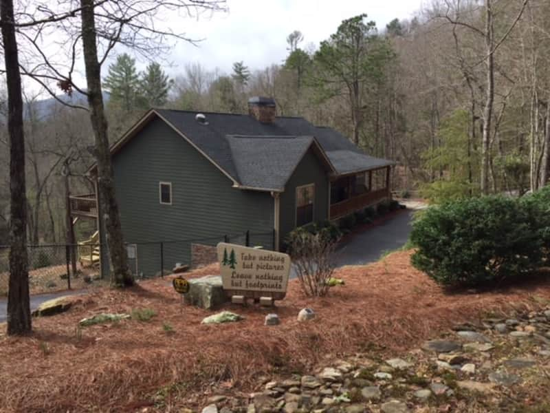Housesitting assignment in Lakemont, Georgia, United States