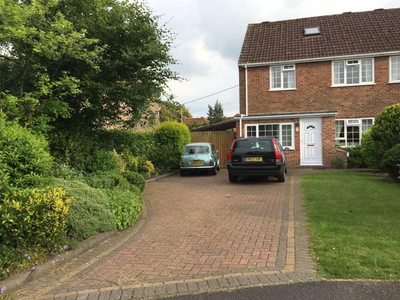Housesitting assignment in Thatcham, United Kingdom