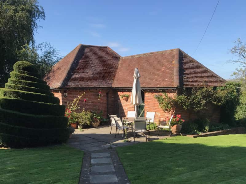 Housesitting assignment in Lympne, United Kingdom