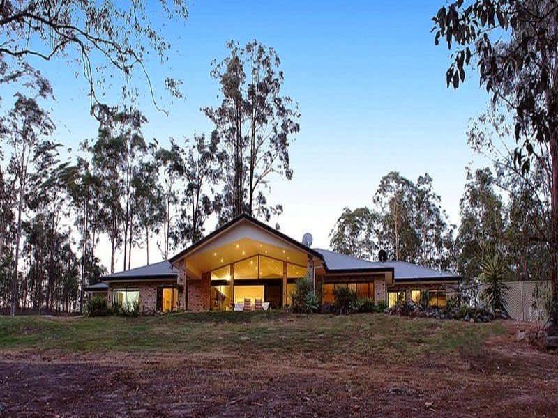Housesitting assignment in Greenbank, Queensland, Australia