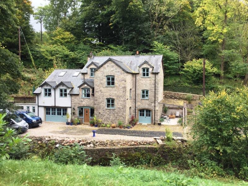 Housesitting assignment in Henllan, United Kingdom