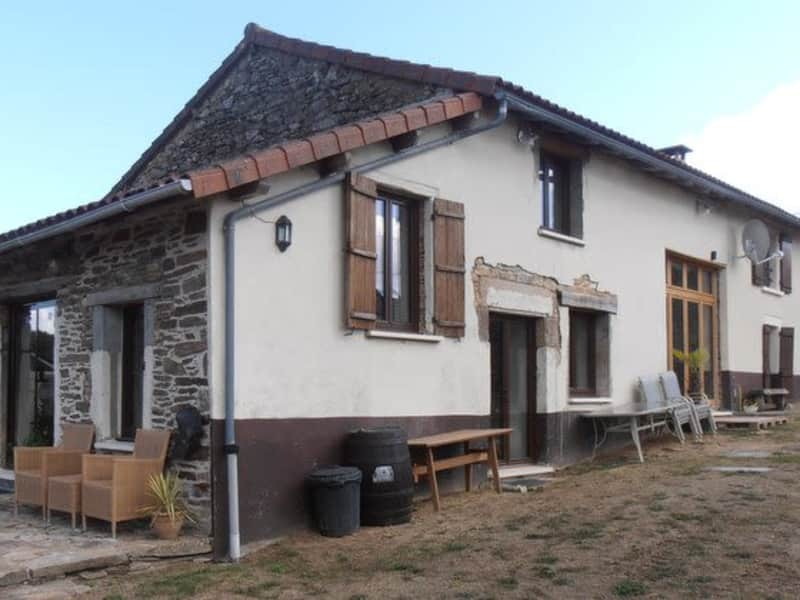 Housesitting assignment in Saint-Saud-Lacoussière, France