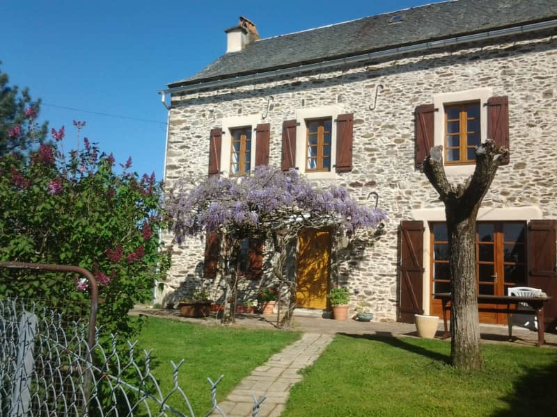 Housesitting assignment in La Salvetat-Peyralès, France