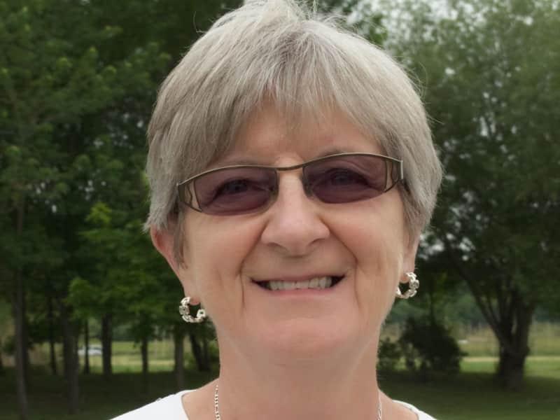 Sandra from Niagara Falls, Ontario, Canada