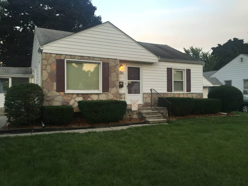 Housesitting assignment in Southfield, Michigan, United States