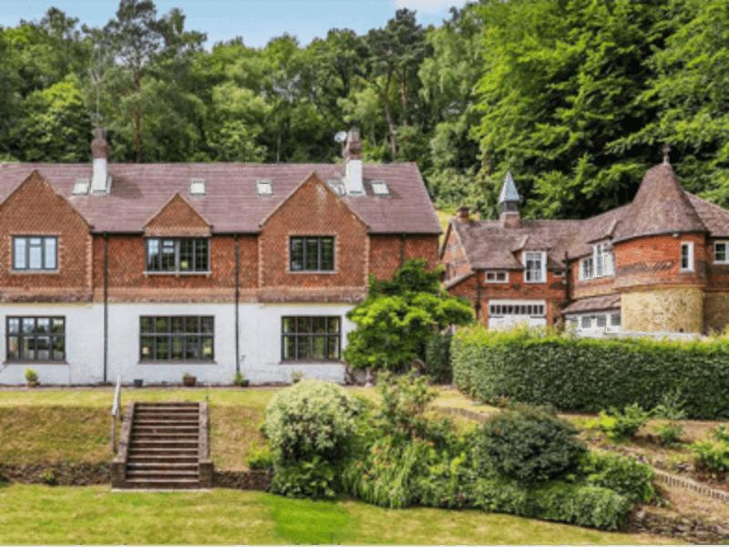 Housesitting assignment in Dorking, United Kingdom