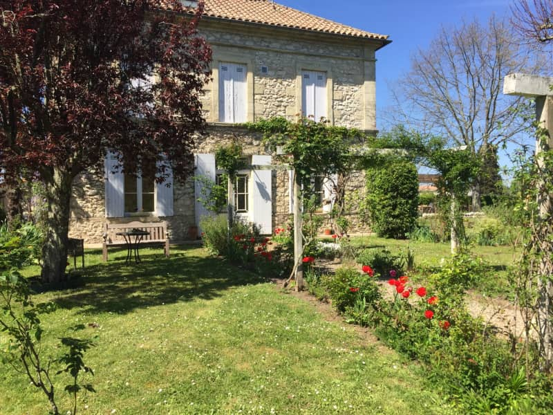 Housesitting assignment in Pessac-sur-Dordogne, France