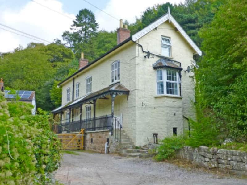 Housesitting assignment in Staunton, United Kingdom