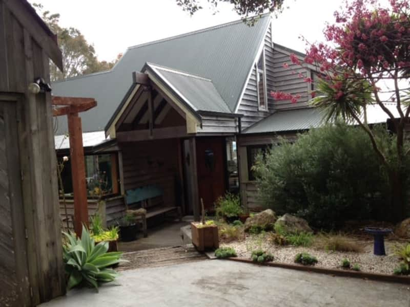 Housesitting assignment in Russell, New Zealand