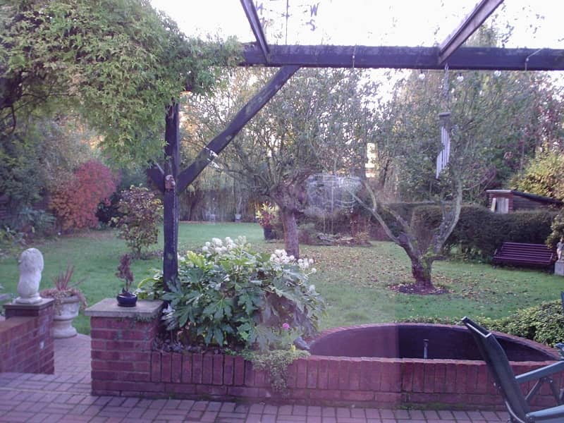 Housesitting assignment in Staines, United Kingdom