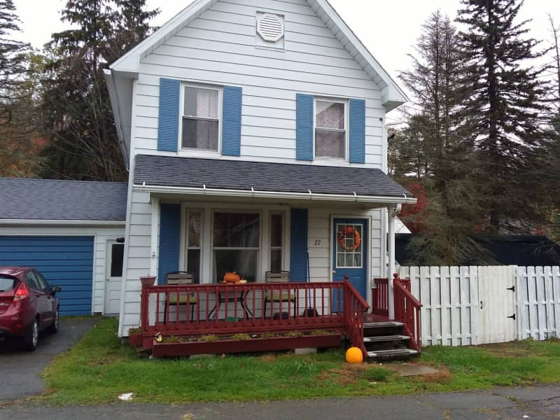 Housesitting assignment in Thompson, Pennsylvania, United States
