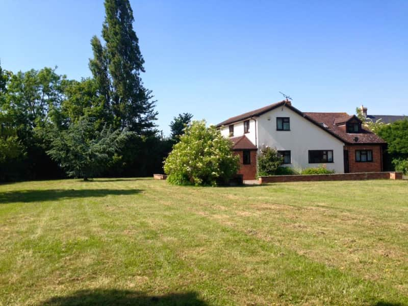 Housesitting assignment in Ludgershall, United Kingdom