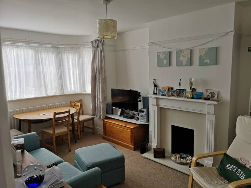 Housesitting assignment in Hackbridge, United Kingdom