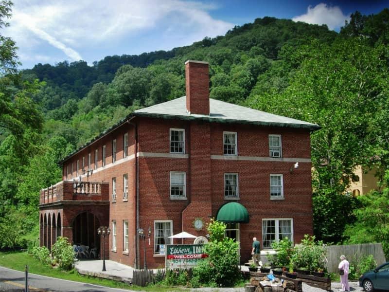 Housesitting assignment in Landgraff, West Virginia, United States