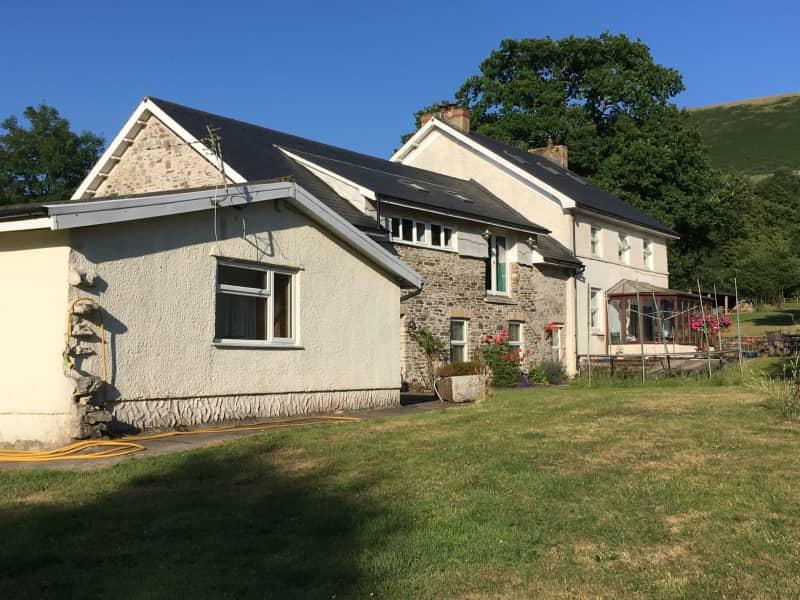 Housesitting assignment in Pontarddulais, United Kingdom