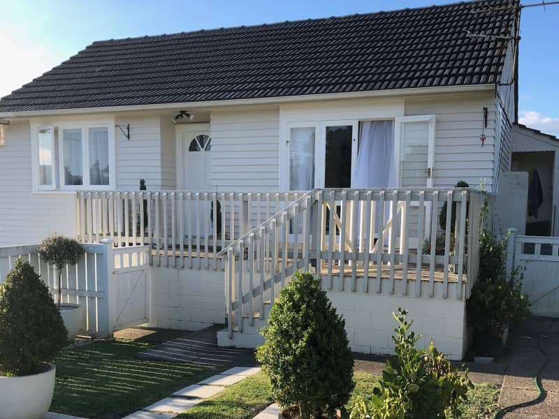 Housesitting assignment in Green Bay, New Zealand