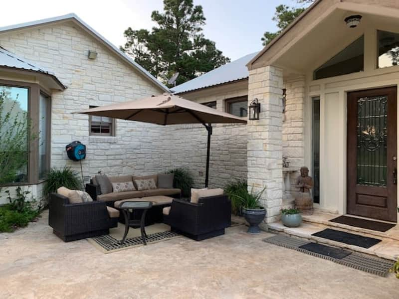 Housesitting assignment in La Grange, Texas, United States