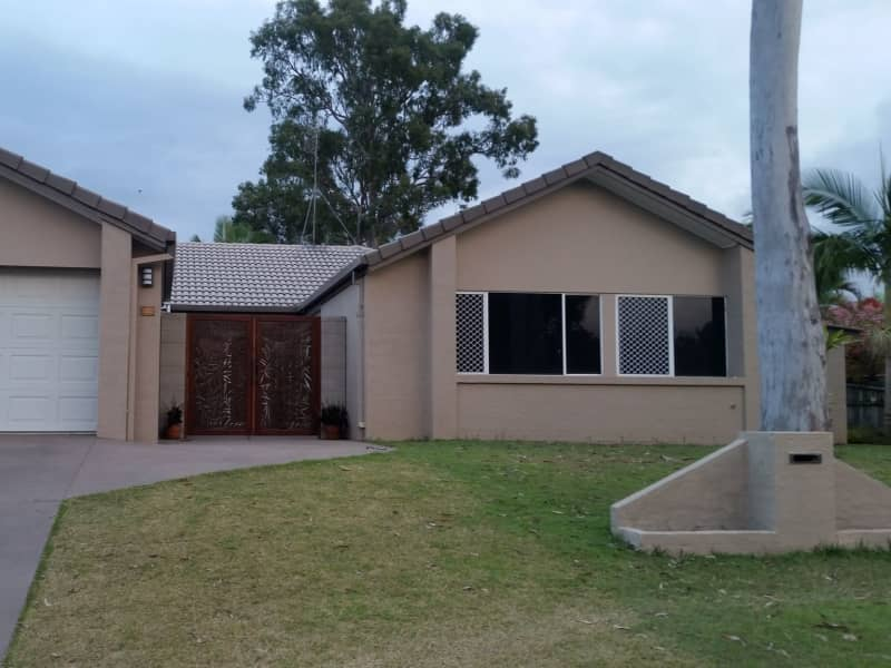 Housesitting assignment in Oxenford, Queensland, Australia