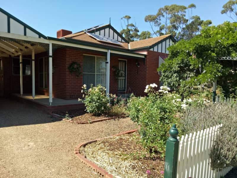Housesitting assignment in Werribee, Victoria, Australia