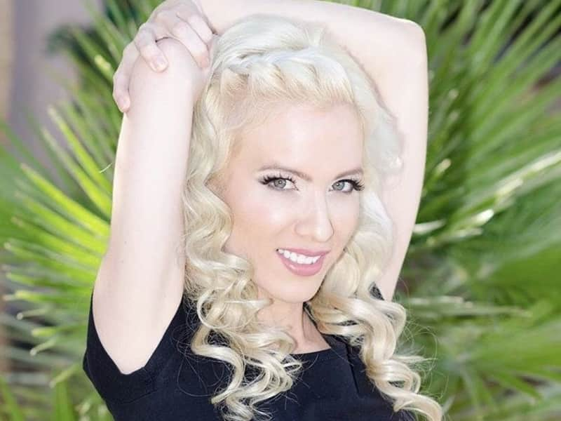 Emily from Summerlin South, Nevada, United States