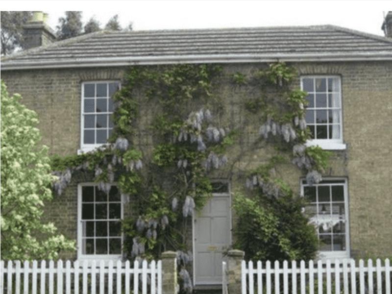 Housesitting assignment in Waterbeach, United Kingdom