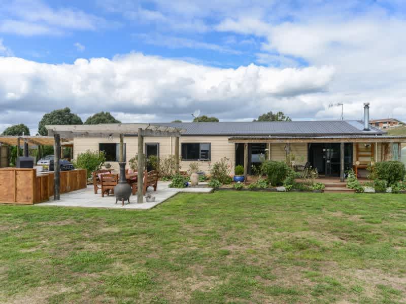 Housesitting assignment in Waipukurau, New Zealand