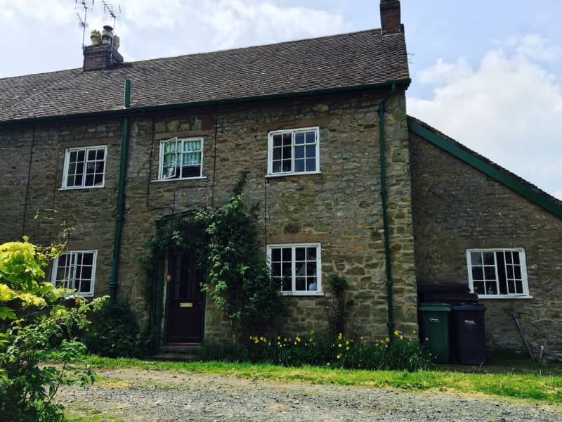 Housesitting assignment in Shipton, United Kingdom