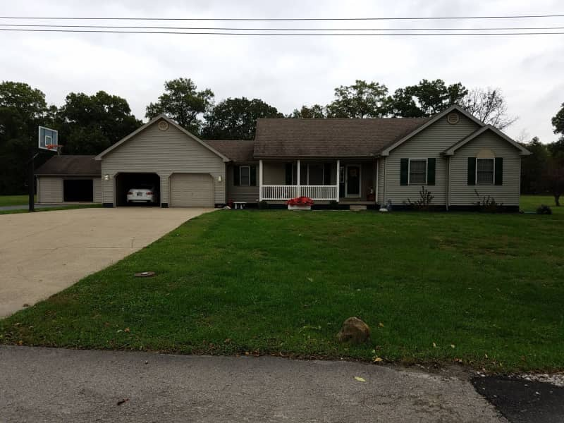 Housesitting assignment in Linton, Indiana, United States