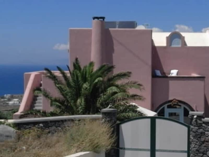 Housesitting assignment in Oía, Greece