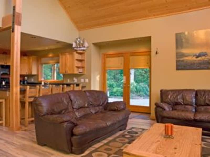Housesitting assignment in Tofino, British Columbia, Canada