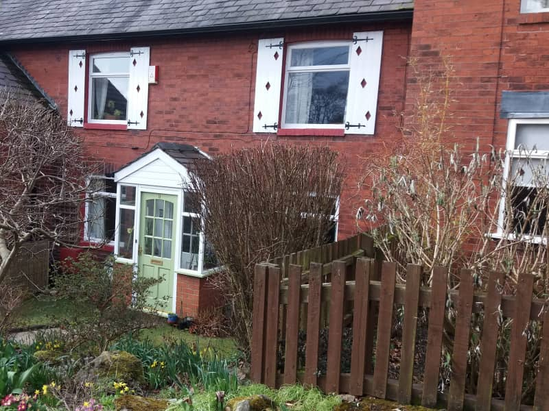 Housesitting assignment in Oldham, United Kingdom