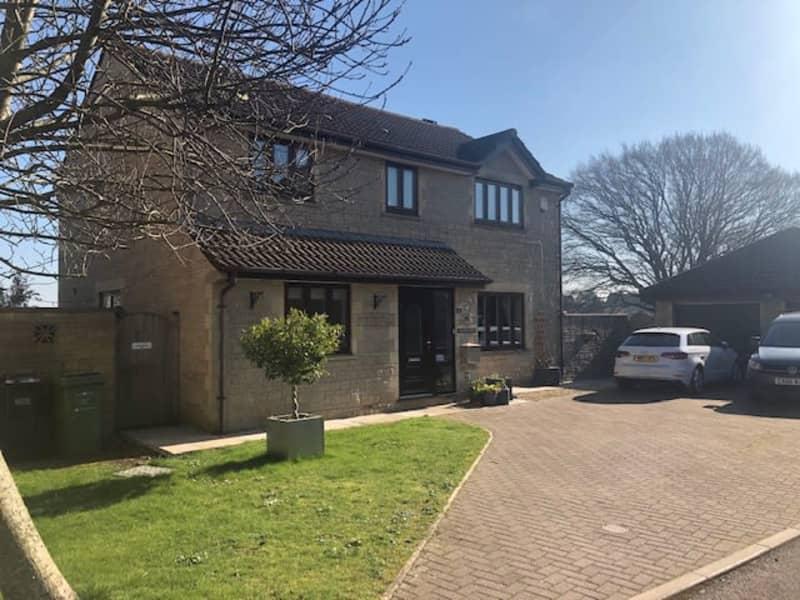 Housesitting assignment in Timsbury, United Kingdom