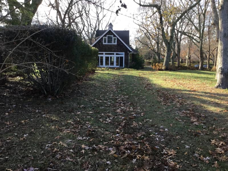 Housesitting assignment in New Suffolk, New York, United States