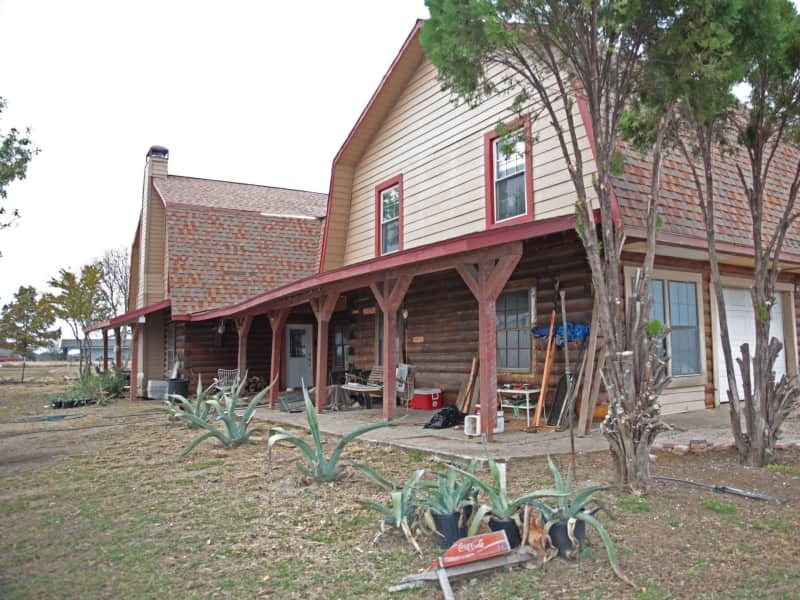Housesitting assignment in McLendon-Chisholm, Texas, United States