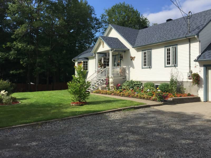 Housesitting assignment in New Glasgow, Quebec, Canada