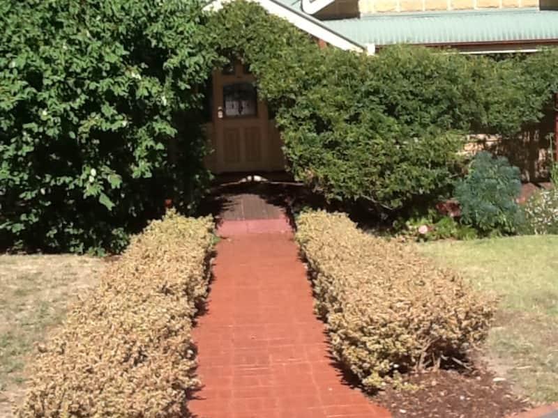 Housesitting assignment in Eltham North, Victoria, Australia