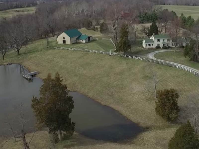 Housesitting assignment in Crestwood, Kentucky, United States
