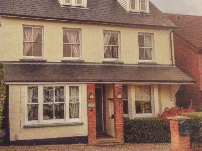 Housesitting assignment in Chorleywood West, United Kingdom