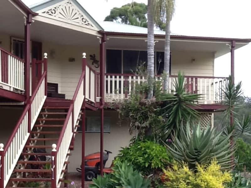 Housesitting assignment in Tamborine Mountain, Queensland, Australia