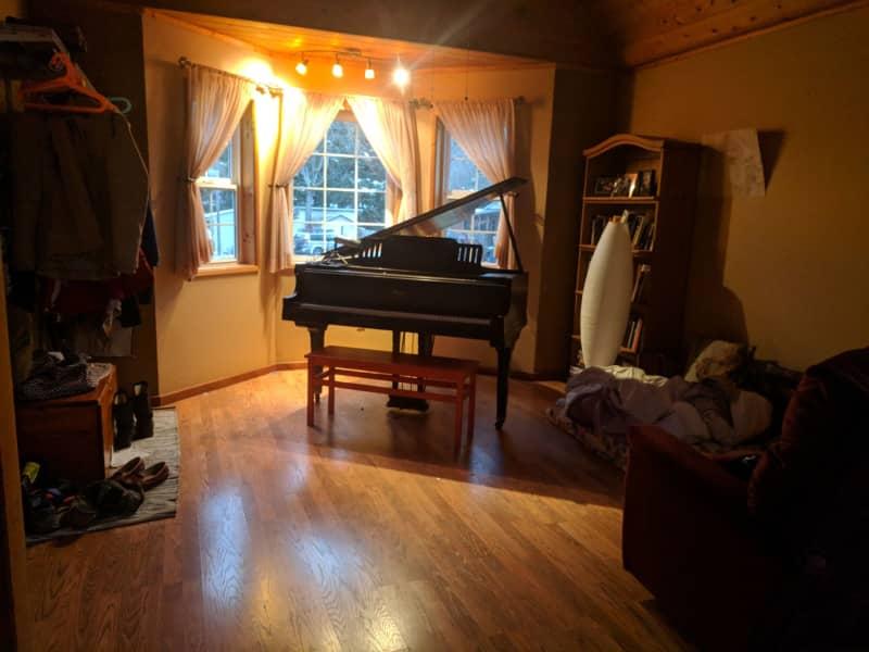 Housesitting assignment in Camas, Washington, United States