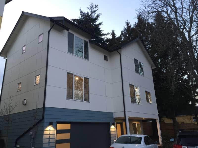 Housesitting assignment in West Seattle, Washington, United States
